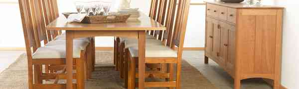 Dining Room Furniture: Choosing between Natural Wood versus Lacquer