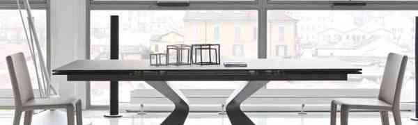 Casual dining rooms say welcome