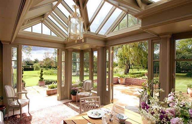 How to Transform Your Conservatory into the Perfect Entertainment Space & How to Modernise Your Conservatory ? Decor Tips