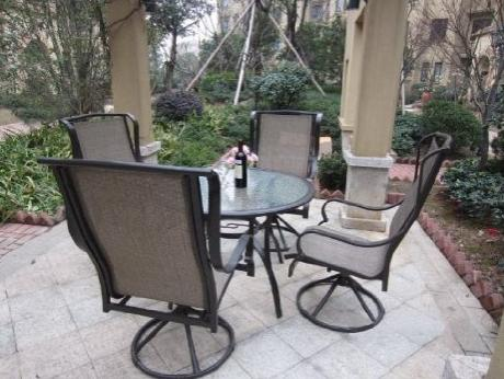 Name:  patio.jpg Views: 122 Size:  34.1 KB
