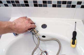 Click image for larger version.  Name:plumber-2788332_960_720.jpg Views:218 Size:9.9 KB ID:10806
