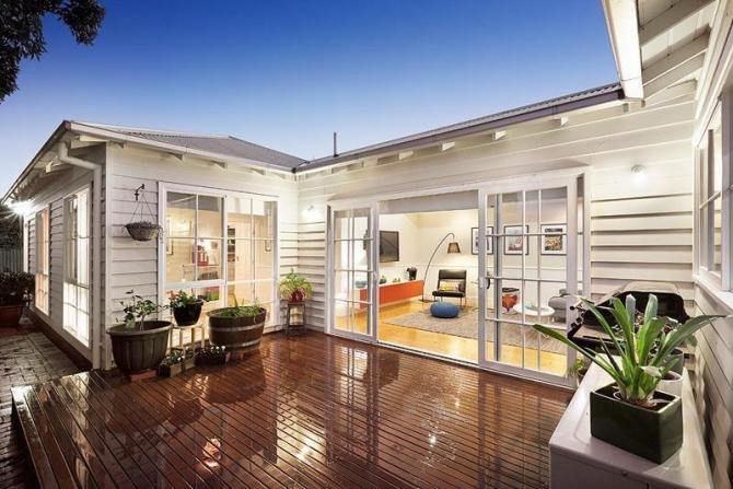 Click image for larger version.  Name:timber windows in Melbourne.jpg Views:150 Size:58.6 KB ID:10953