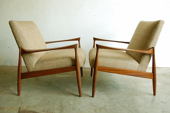 Click image for larger version.  Name:vintage-furniture.jpg Views:358 Size:50.2 KB ID:10065