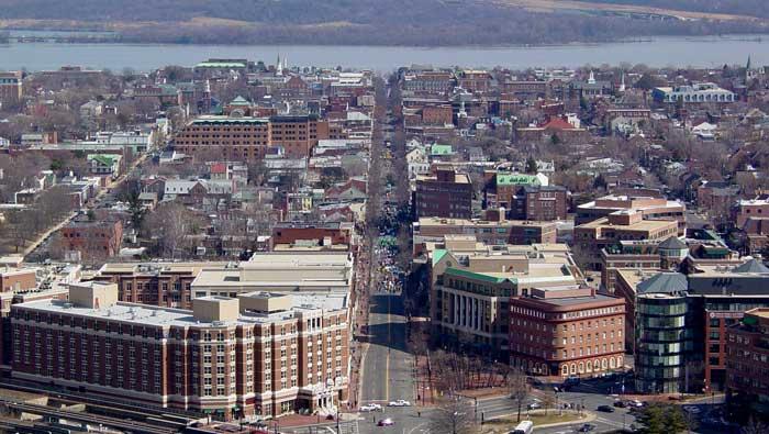 Name:  Old_Town_Alexandria.jpg Views: 119 Size:  60.1 KB