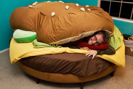 Name:  burger-bed-2.jpg Views: 597 Size:  34.4 KB