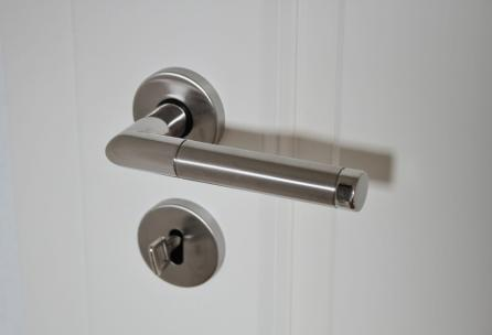 Click image for larger version.  Name:door-handle-625942_960_720.jpg Views:172 Size:8.0 KB ID:10986