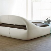 Sleepy Sculptural bed-sofa by by Angelo Tomaiuolo