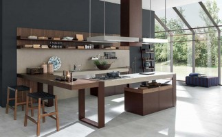 "Arts & Crafts - The ""broke up"" kitchen by Pedini"