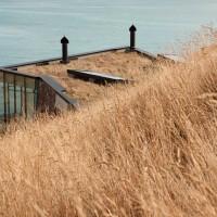 Seascape Retreat by Pattersons Associates Architects