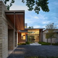 House on Hidden Pond by LaRue Architects