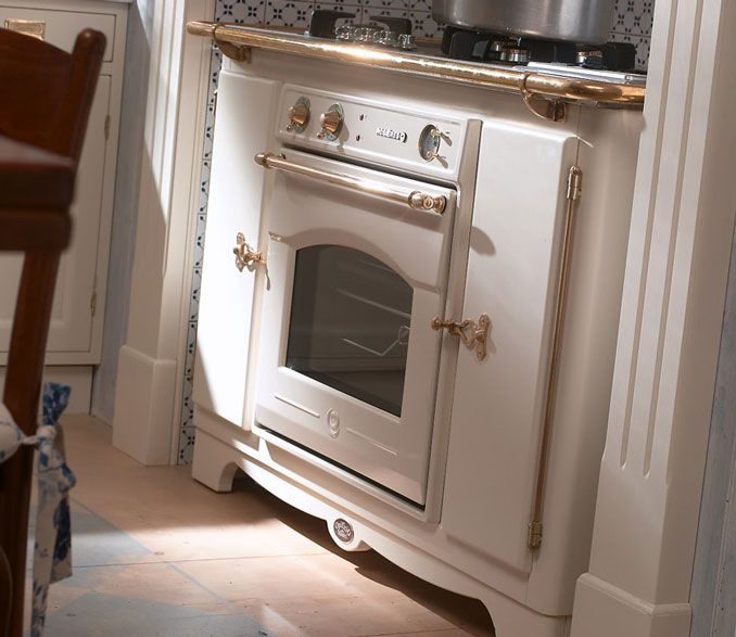 Cucine Old Style. Top Small Kitchen Ideas That Prove Size Doesnut ...