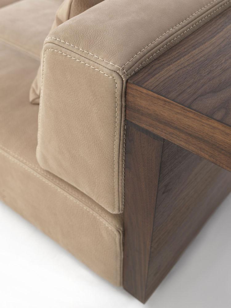 Fur Nature Sofa Riva 1920 Wood Furniturebiz : FurNatureSofaR7 from www.wood-furniture.biz size 750 x 1000 jpeg 81kB