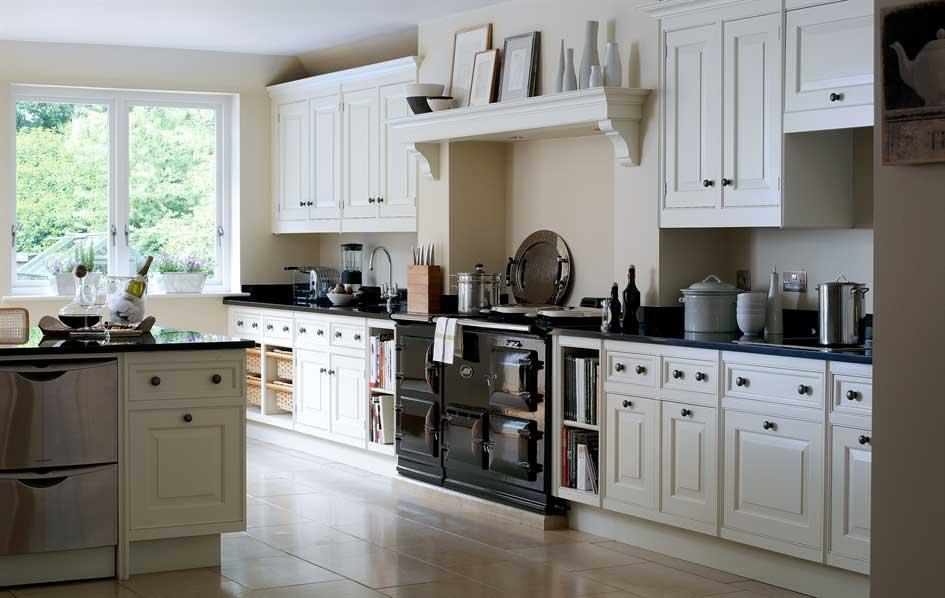 hand painted kitchens - smallbone of devizes - wood-furniture.biz
