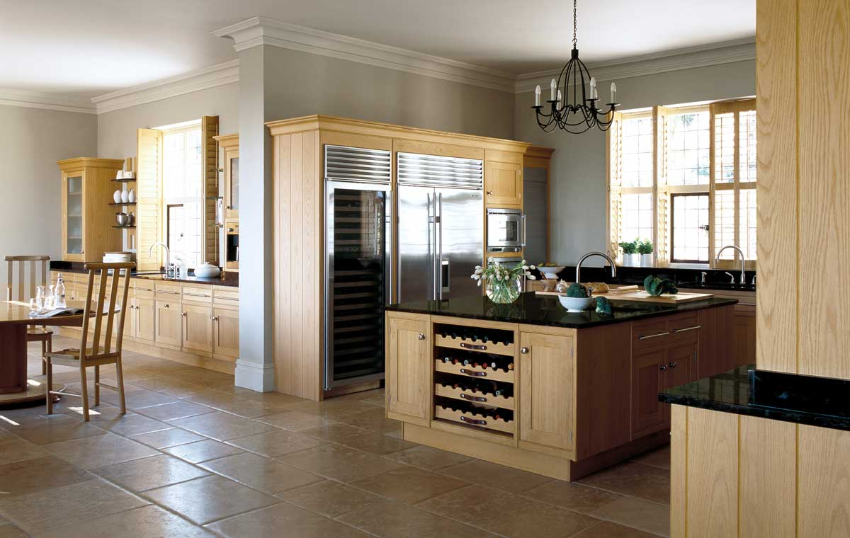 Oak kitchen smallbone of devizes wood for Cuisine contemporaine blanche blanc