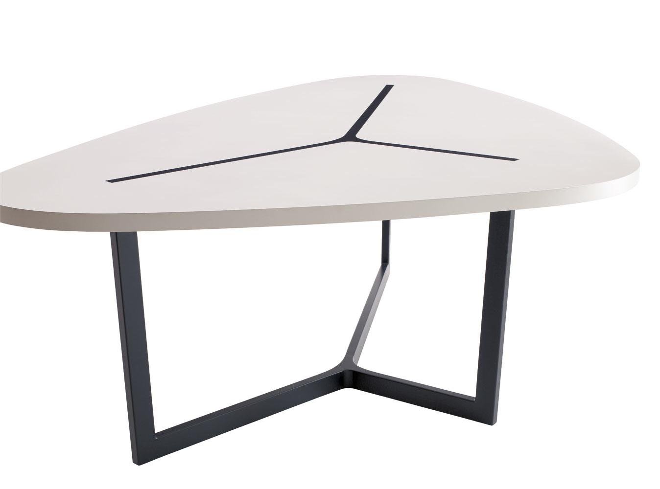 seven table by jean marie massaud b b italia wood. Black Bedroom Furniture Sets. Home Design Ideas