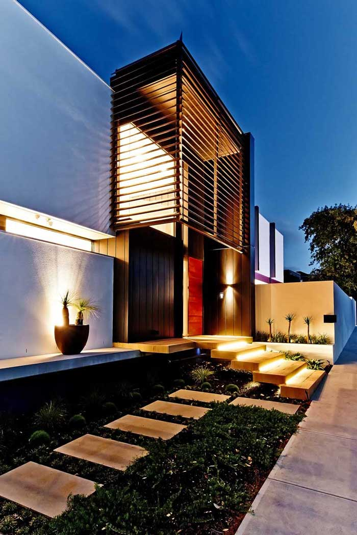 White house in the melbourne suburb of beaumaris wood for Home decorations melbourne