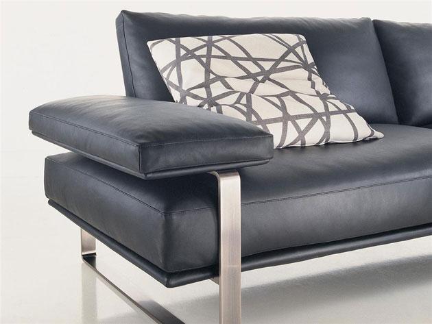 Wood products molteni c still sofa for Molteni furniture