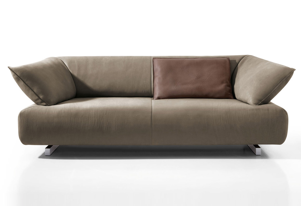 Wood noa sofa by kurt beier for Sofa koinor